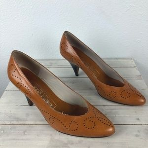 Evan Picone Vintage Leather Dotted Kitten Heel 6M